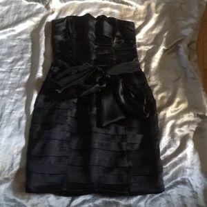 Dresses & Skirts - Gorgeous Black satin tiered strapless dress